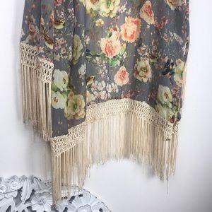Sans Souci bird & flowers tassel kimono
